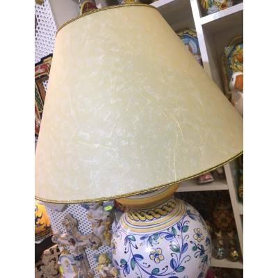 Lume in pregiata ceramica realizzato a mano decoro floreale del '600 - altezza 70 cm