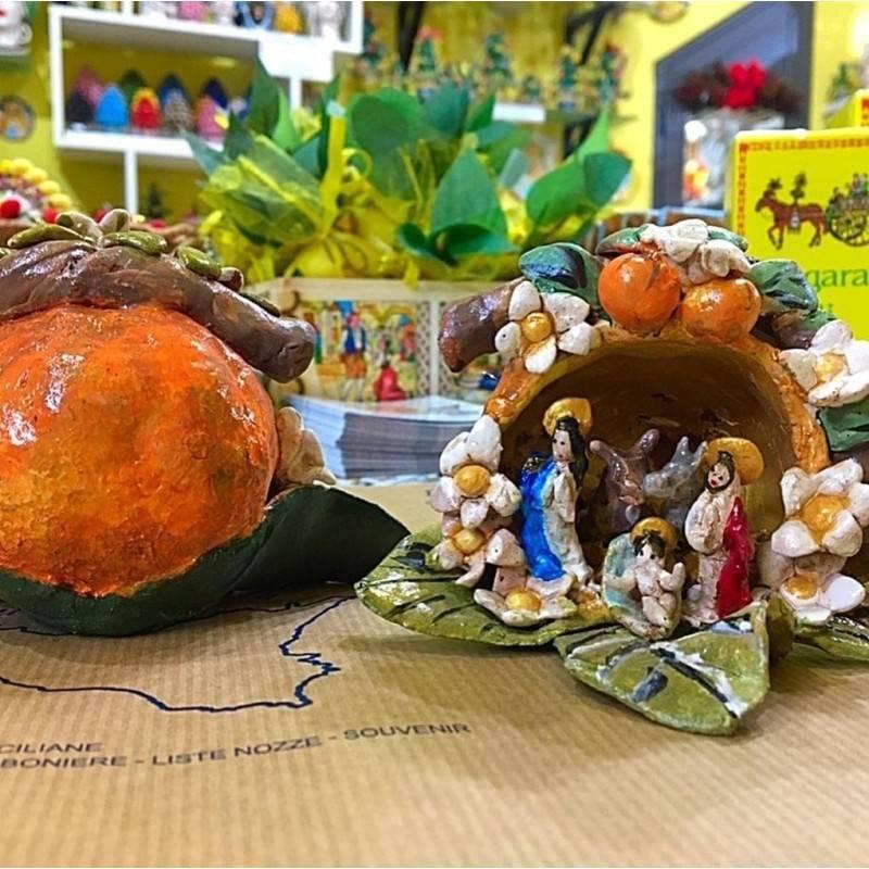 Artistico Presepe siciliano interamente realizzato e decorato a mano - Collezione Frutti: ARANCIA