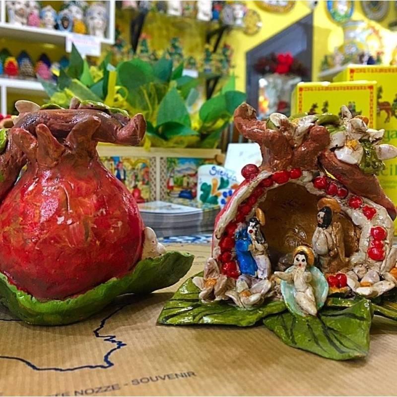 Artistico Presepe siciliano interamente realizzato e decorato a mano - Collezione Frutti: MELOGRANO