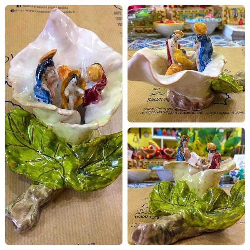 Artistico Presepe siciliano interamente realizzato e decorato a mano - Collezione Fiori: CALLA