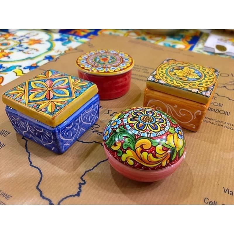 Scatoline in ceramica siciliana vari...
