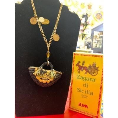 Collana con pendente Coffa artigianale fatta a mano con filo all'uncinetto